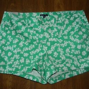 Gap Green White Flowers 16 Stretch Shorts NWT